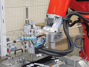 China High Frequency Ultrasonic Riveting Welding Machine Gun Type For Auto Bumper Bar supplier