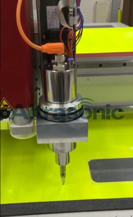 30KHz Ultrasonic Cutting Machine With Titanium / Replaceable Blade