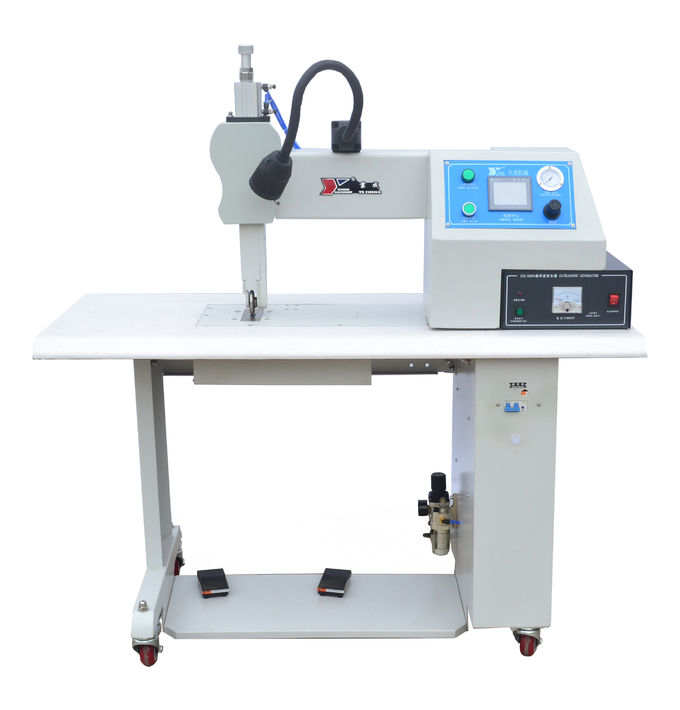 Fabric 35khz Ultrasonic Sealing Machine , Ultrasonic Sewing Machine with Titanium Wheel