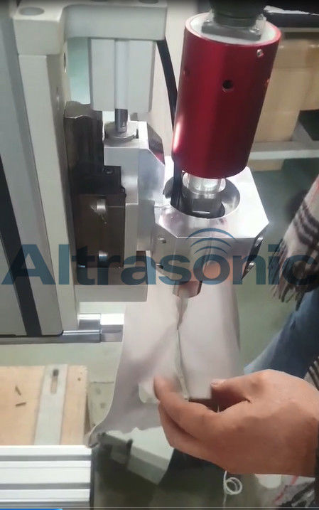 30khz High Power Robotic Aided Ultrasonic Cutting Machine For Automotive Carpet And Ceiling Lining